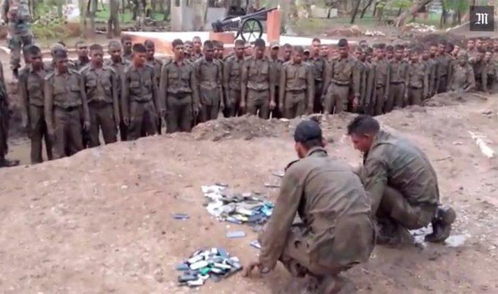 الهاتف ألد أعداء الجيش الهندي