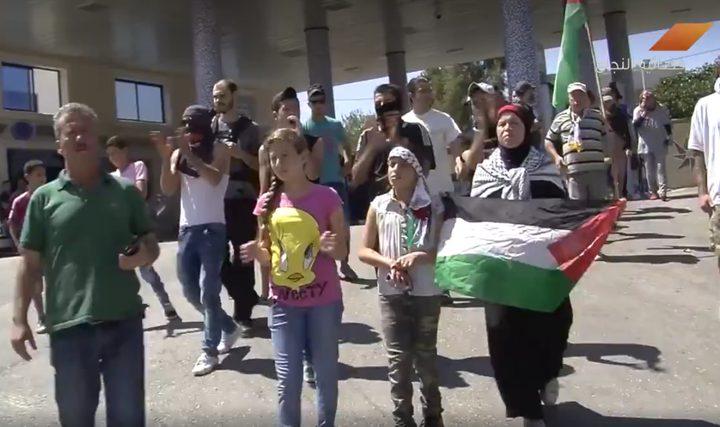 عهد التميمي.. الطفلة الشجاعة التي قهرت قوات الاحتلال (فيديو)