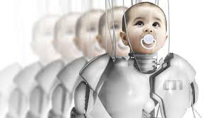 """الروبوتات والبشر """"سينجبون"""" أطفالا في المستقبل"""