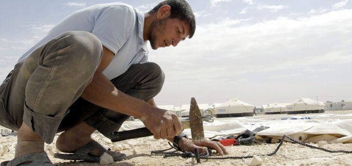 مصادر إسرائيلية: تمديد تصاريح العمل لثلاثة آلاف عامل