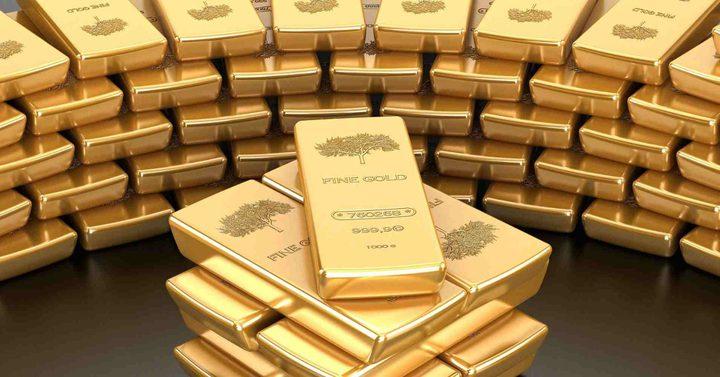 الذهب يستقر قرب أعلى مستوى مع استقرار الدولار
