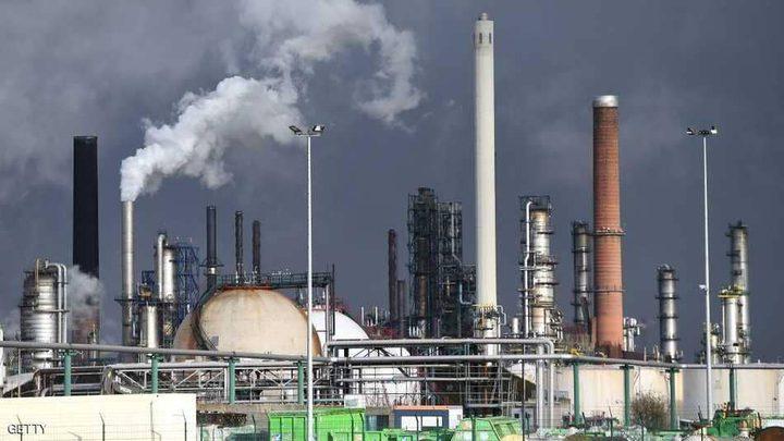 """""""الإنتاج الأمريكي"""" يهبط بأسعار النفط"""