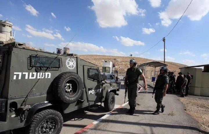 الاحتلال يهدد بإغلاق حاجز المحكمة