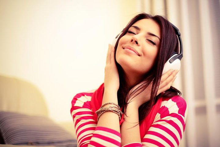 الموسيقى واللون الأزرق لـ علاج التوتر النفسي وفق باحثين كويتيين