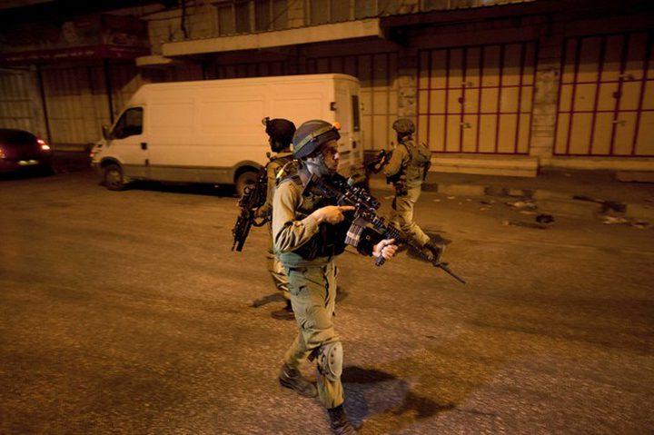 الاحتلال يغلق مدخل اللبن الشرقية