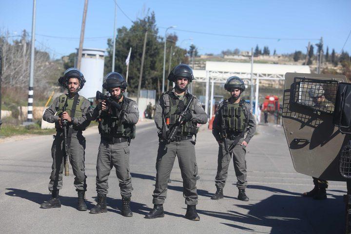 الاحتلال يعتقل مسناً في جنين (صور)