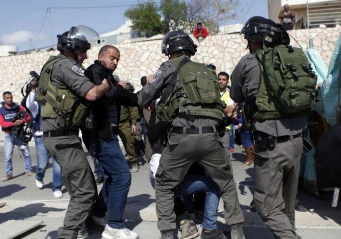 قوات الاحتلال تعتقل ثلاثة مواطنين من القدس