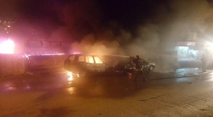 اخماد حريق إشتعل في مغسلة مركبات ومحل تجاري