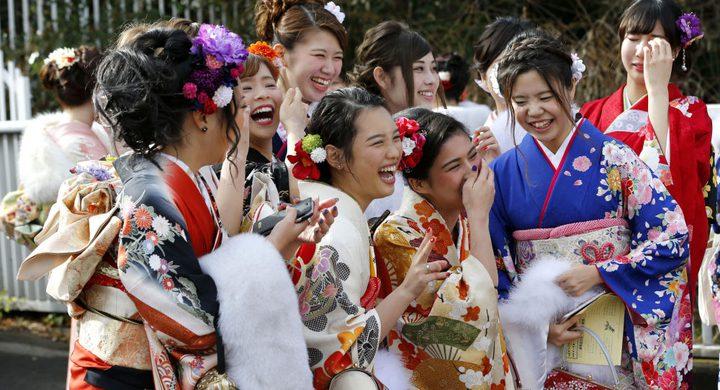 الوجه الآخر لليابان.. سر مدهش وراء تراجع معدل الزواج والإنجاب