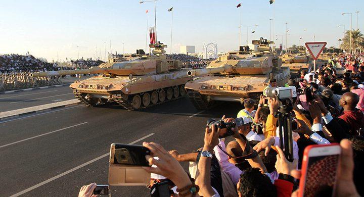 الكشف عن سر في العرض العسكري القطري.. هذا ما رصدته الكاميرات