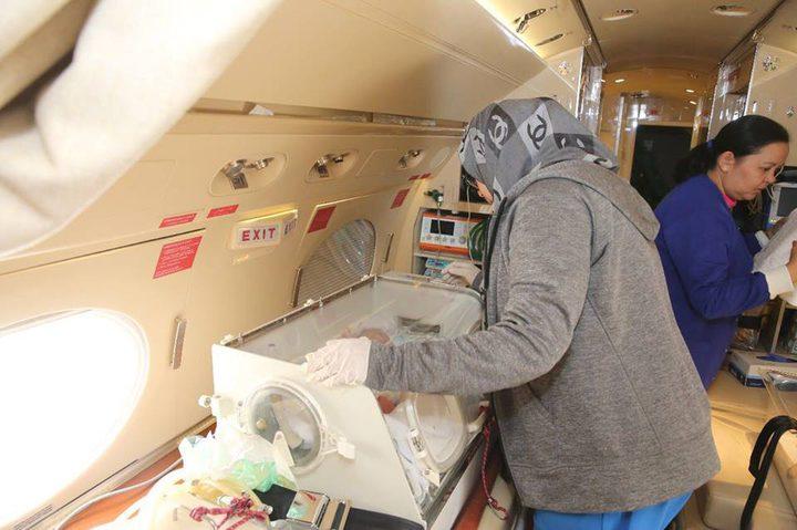 وصول التوأم السيامي من غزة للرياض لإجراء عملية الفصل