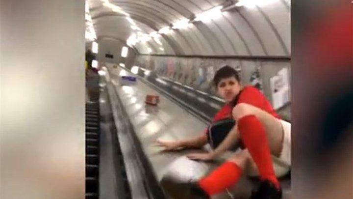 """بالفيديو: شاب يعيش لحظات مؤلمة جداً... انزلق على المصعد و""""طار""""!"""