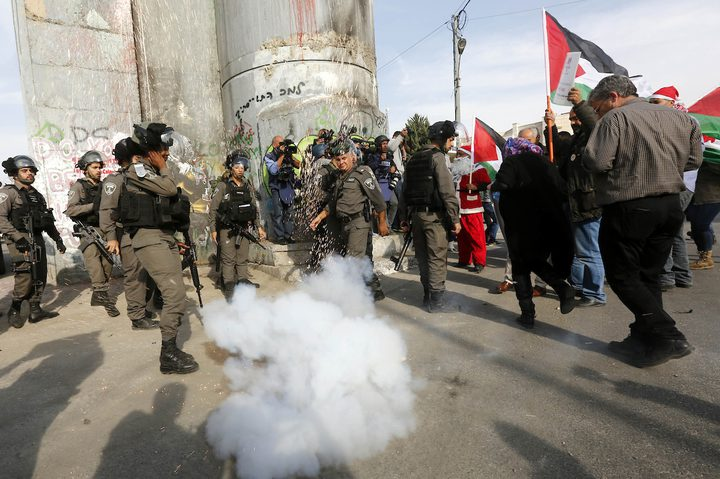 إصابات بالاختناق في مواجهات مع الاحتلال شرق بيت لحم