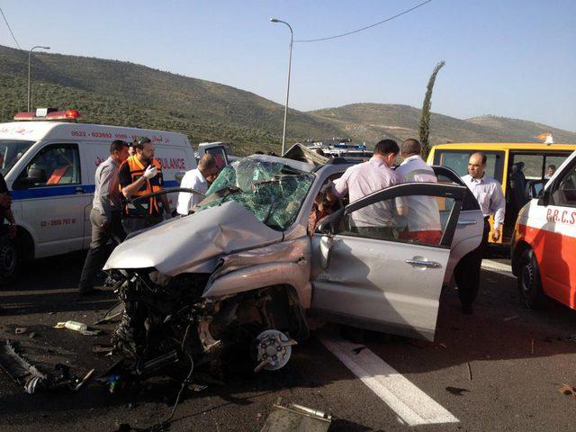 6 إصابات بحادث سير اثنتان حالتهم خطيرة