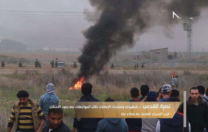 مواجهات مع جنود الاحتلال قرب السياج الفاصل مع قطاع غزة (فيديو)
