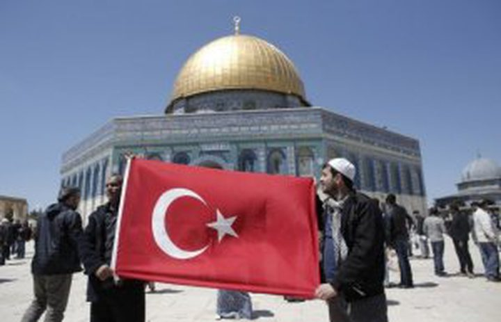 الاحتلال يقرر إبعاد 3 أتراك اعتقلهم أمام الأقصى