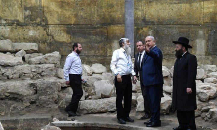 """نتنياهو يتطوع ليكون """"مرشدا سياحيا"""" للمسيحيين بالقدس المحتلة!"""