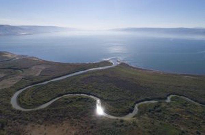 مشاريع الاحتلال تحول البحر الميت الى مستنقعات متناثرة