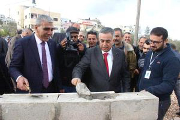 الأعرج يفتتح عددًامن المشاريع التطويرية في بلدة عقابا بمحافظة طوباس