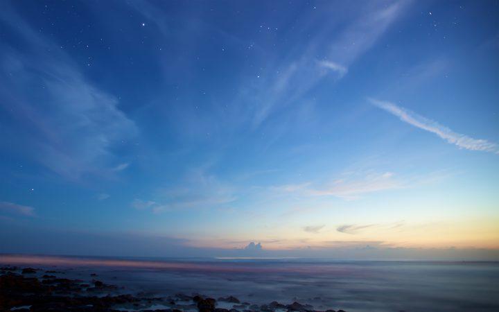 لماذا نرى السماء زرقاء؟