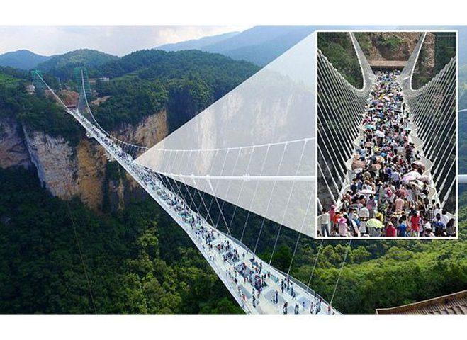 الصين تحتفل بأطول جسر زجاجي بالعالم