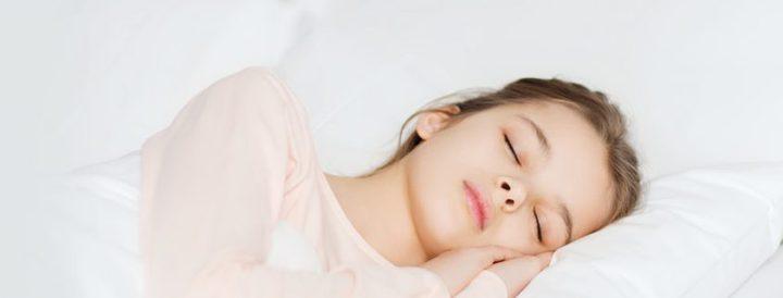 ما هو الطعام الذي يساعدك على النوم؟
