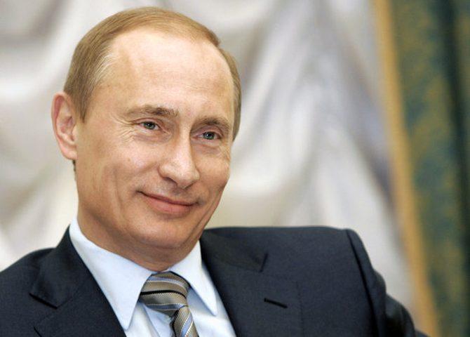 بوتين يتقدم بأوراق ترشحه لرئاسة روسيا إلى لجنة الانتخابات