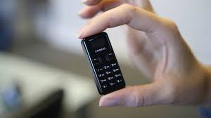 أصغر هاتف بالعالم أصغر من الإصبع