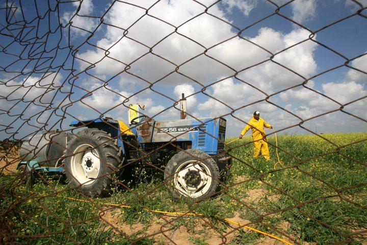 العمل الزراعي يوقع أربع اتفاقيات لشق طرق زراعية في الخليل