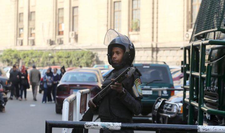أحكام بإعدام عشرة في مصر بينهم ضابط سابق