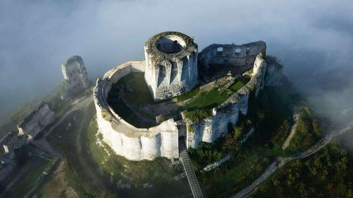 إحداها في حمص.. أروع القلاع المهجورة في العالم