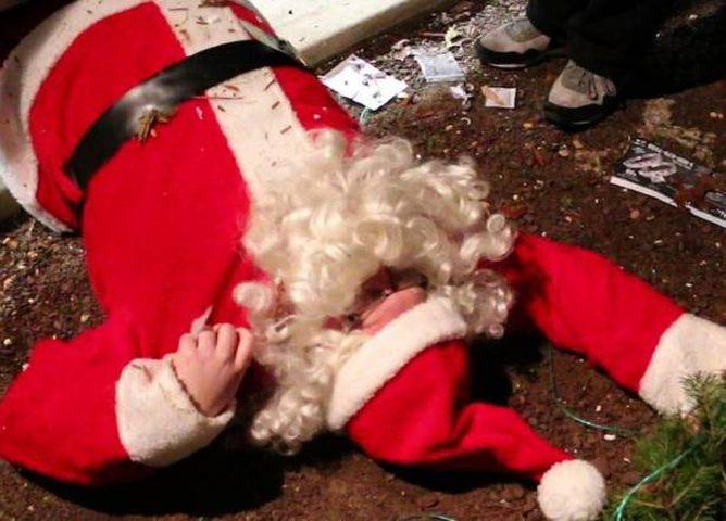"""هلع وفزع في إحدى المدارس... مات """"سانتا كلوز"""" قبل أن يقدِّم الهدايا!"""
