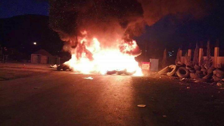 الاحتلال يُغلق طريق بيتا الرئيسي جنوب نابلس ومداخل المدينة تشهد مواجهات عنيفة
