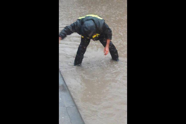 بالفيديو والصور: شاهد الكوارث في نابلس إثر المنخفض الجوي..والإستجابة لـ383 نداء طوارئ