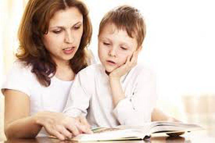 لماذا من المهم أن تقرأ الكتب لطفلك؟