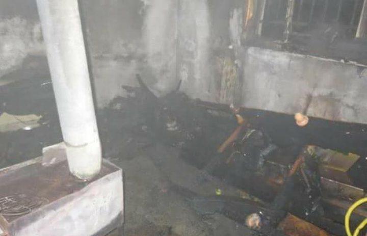 السيطرة على حريق اندلع في منزل جنوب نابلس (صور)