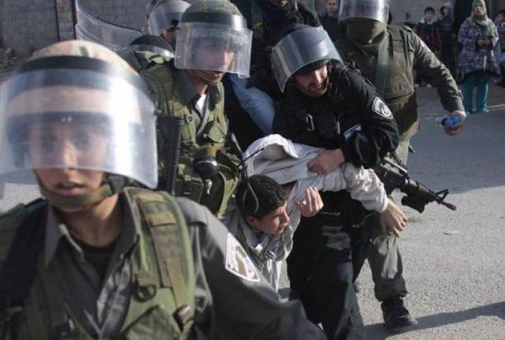 الاحتلال يعتدي على شاب بالضرب المبرح