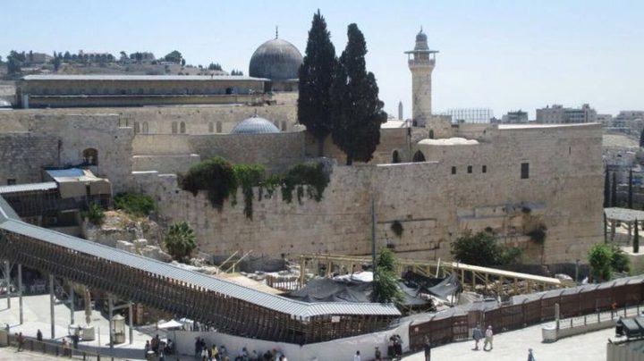 الاحتلال يشرع بإنشاء جسر سياحي للمشاة جنوب المسجد الأقصى