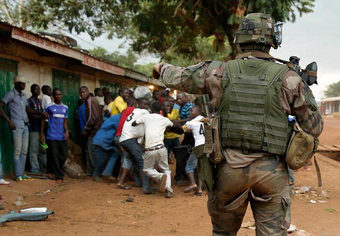 حاخام يهودي يعترف بتورط إسرائيل في إشعال الحروب الأهلية في إفريقيا