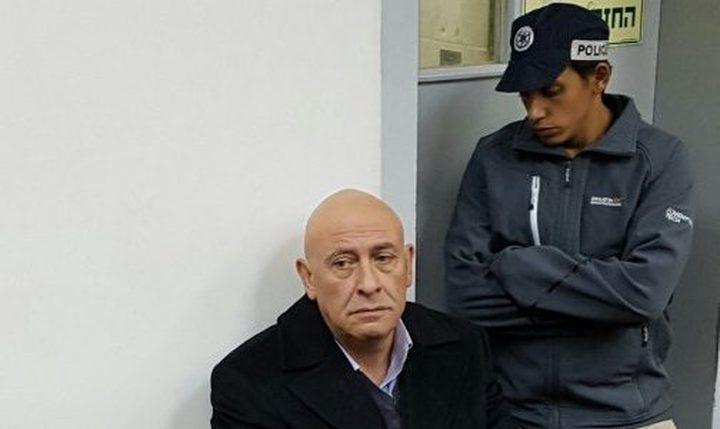 الاحتلال يصادر مذكرات النائب غطّاس ويمنع إدخال كتاب له
