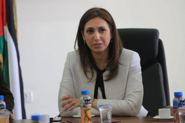 رئيس الاحصاء الفلسطيني تبحث مع ممثل كندا دعم جهاز الإحصاء