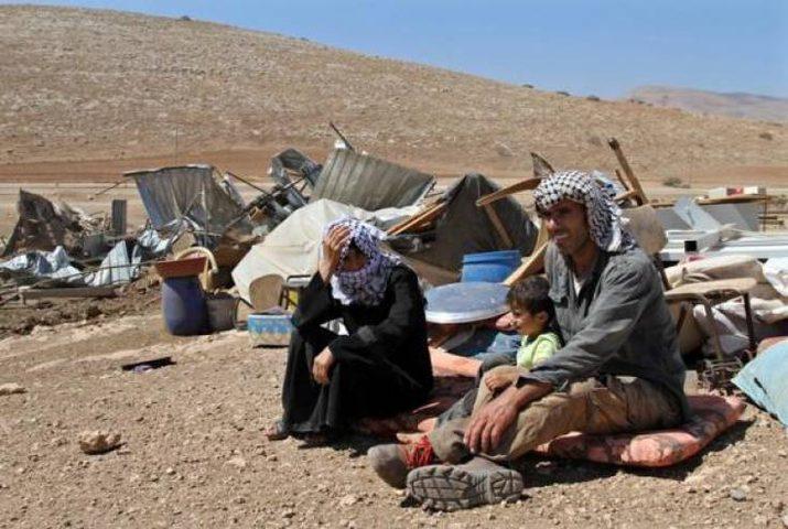 الاحتلال يخطر بهدم مسكن شرق يطا