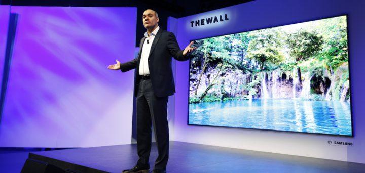 """""""الحائط"""".. تلفزيون جديد لسامسونغ بقياس 146 بوصة"""