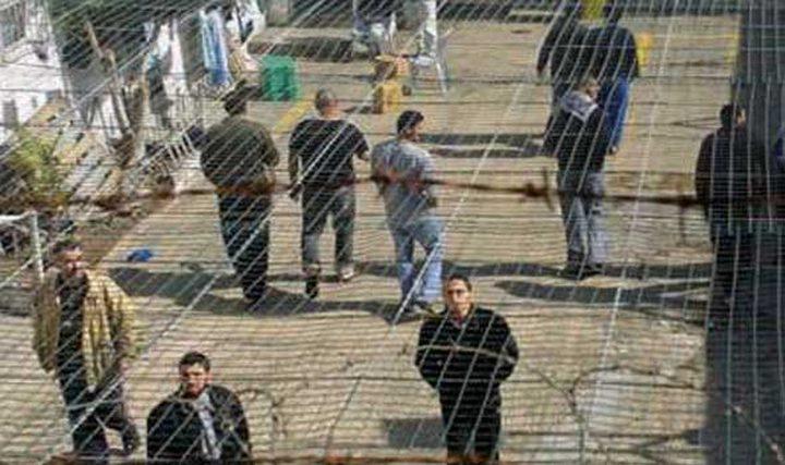 إسرائيل تنقل معتقلا مضربا عن الطعام للمستشفى نتيجة تدهور صحته
