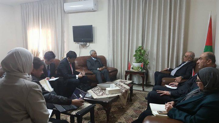 الوزير طبيلة يبحث مع سفير جمهورية سنغافورة آفاق التعاون المشترك