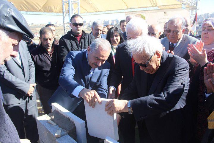 وضع حجر الأساس لأكاديمية فلسطين للطلبة الموهوبين