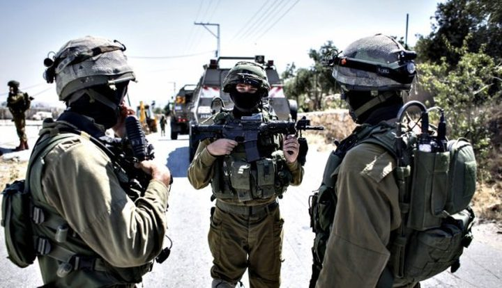 الاحتلال يوزع صورة لشخص ويطلب معلومات عنه