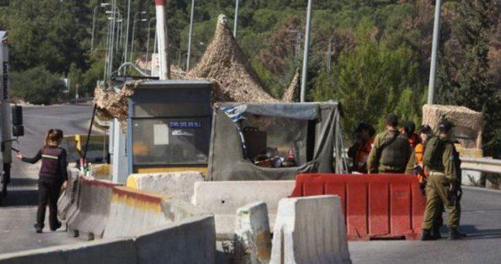 الاحتلال يغلق حاجز الحمرا في الأغوار