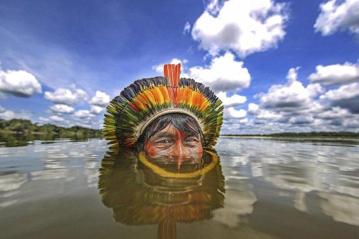 قبيلة نائية في البرازيل تعيش في وئام تام مع الطبيعة