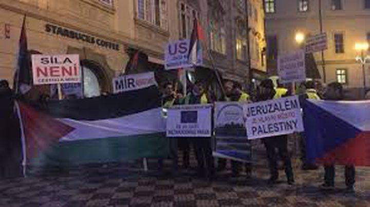 براغ: مسيرة امام السفارة الإسرائيلية تنديداً بجرائم الاحتلال